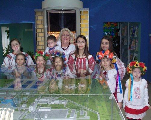 Дитячий хоровий колектив Нетішинської музичної школи привітав працівників Хмельницької АЕС з Різдвяними святами